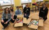 Nowodwór: Przedświąteczna pomoc szkolnych wolontariuszy (foto)