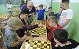 Krynice: Młodzi szachiści grają o puchary (foto)